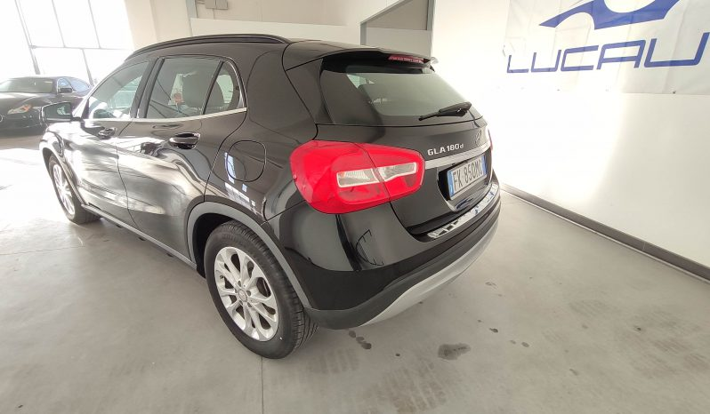 Mercedes Benz Gla 180D Business – 2017 completo